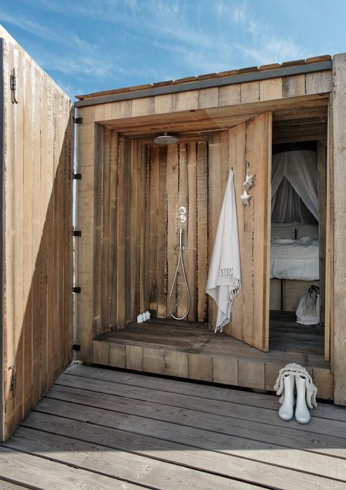 ducha de las cabañas en portugal de alquiler en la Reserva Natural do Sado del estudio de arquitectura aires mateus en diariodesign magazine