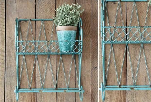 Distressed Metal Lattice Wall Shelf With Towel Bar - Farmhouse ...