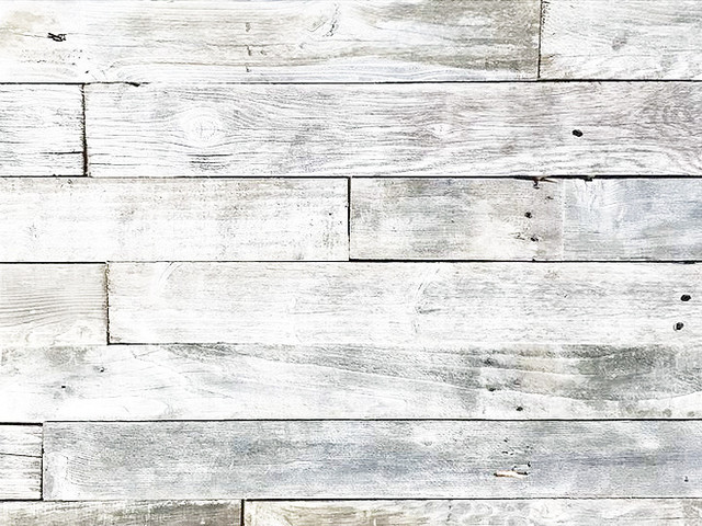 White Wash Reclaimed Barnwood Planks