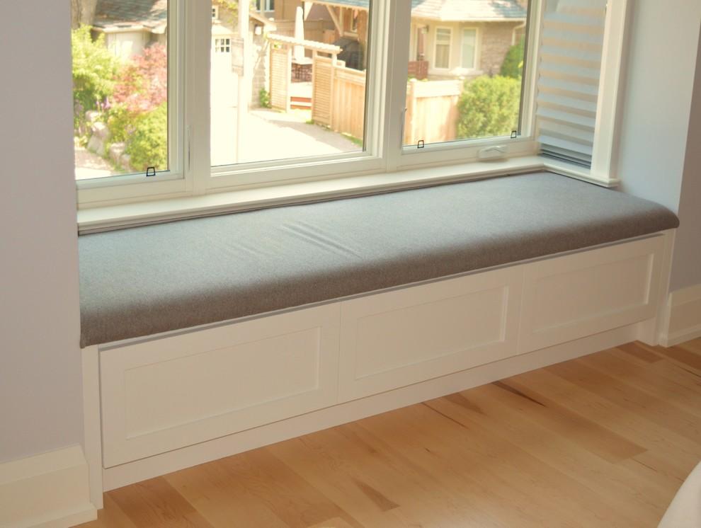 Built-in Bay Window Seat
