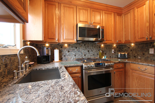 Natural Oak Cabinets with Glass Mosaic Backsplash ...