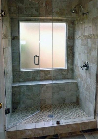 doccia con finestra allinterno