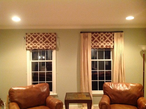 Roman shadeswith curtains or not for Curtains that look like roman shades