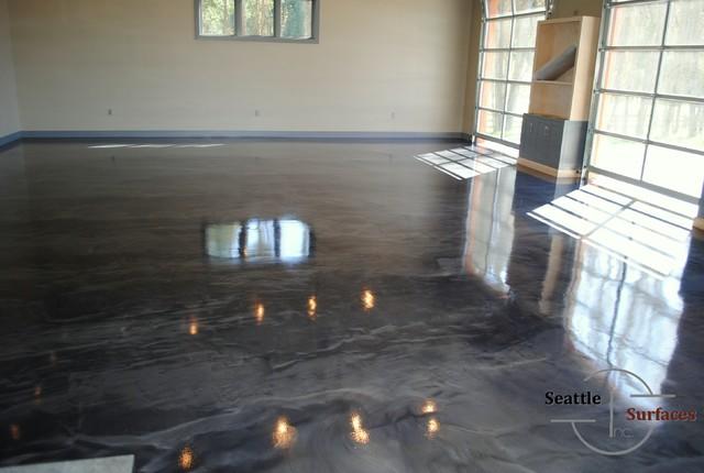 Designer Metallic Epoxy Garage Floor Minimalistisch