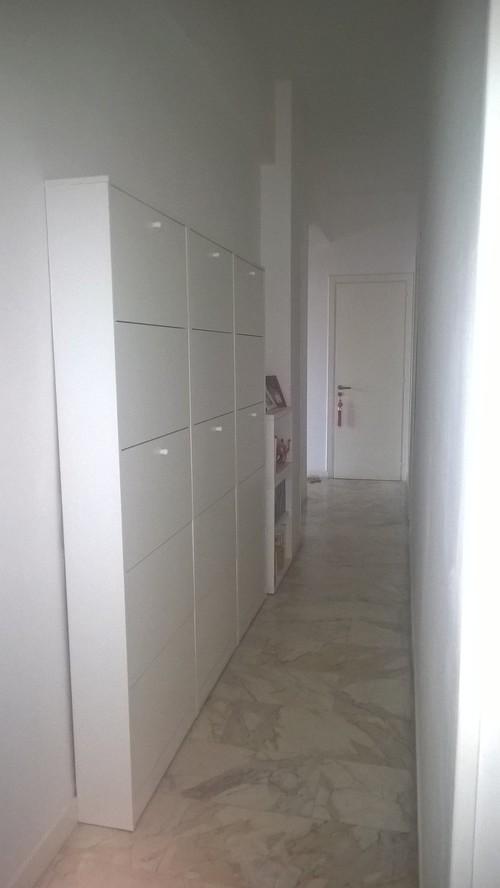 Aiuto con un corridoio stretto lungo e buio for Specchio lungo