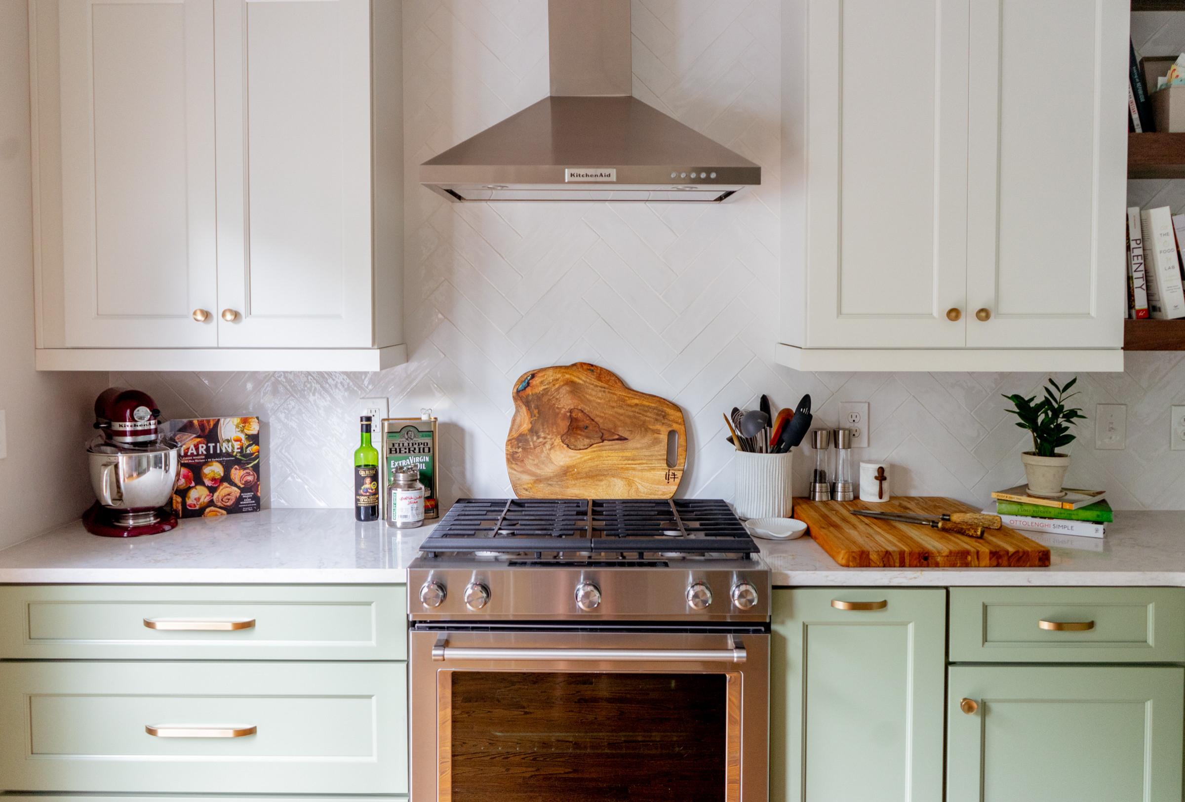 Glenwood Green modern kitchen