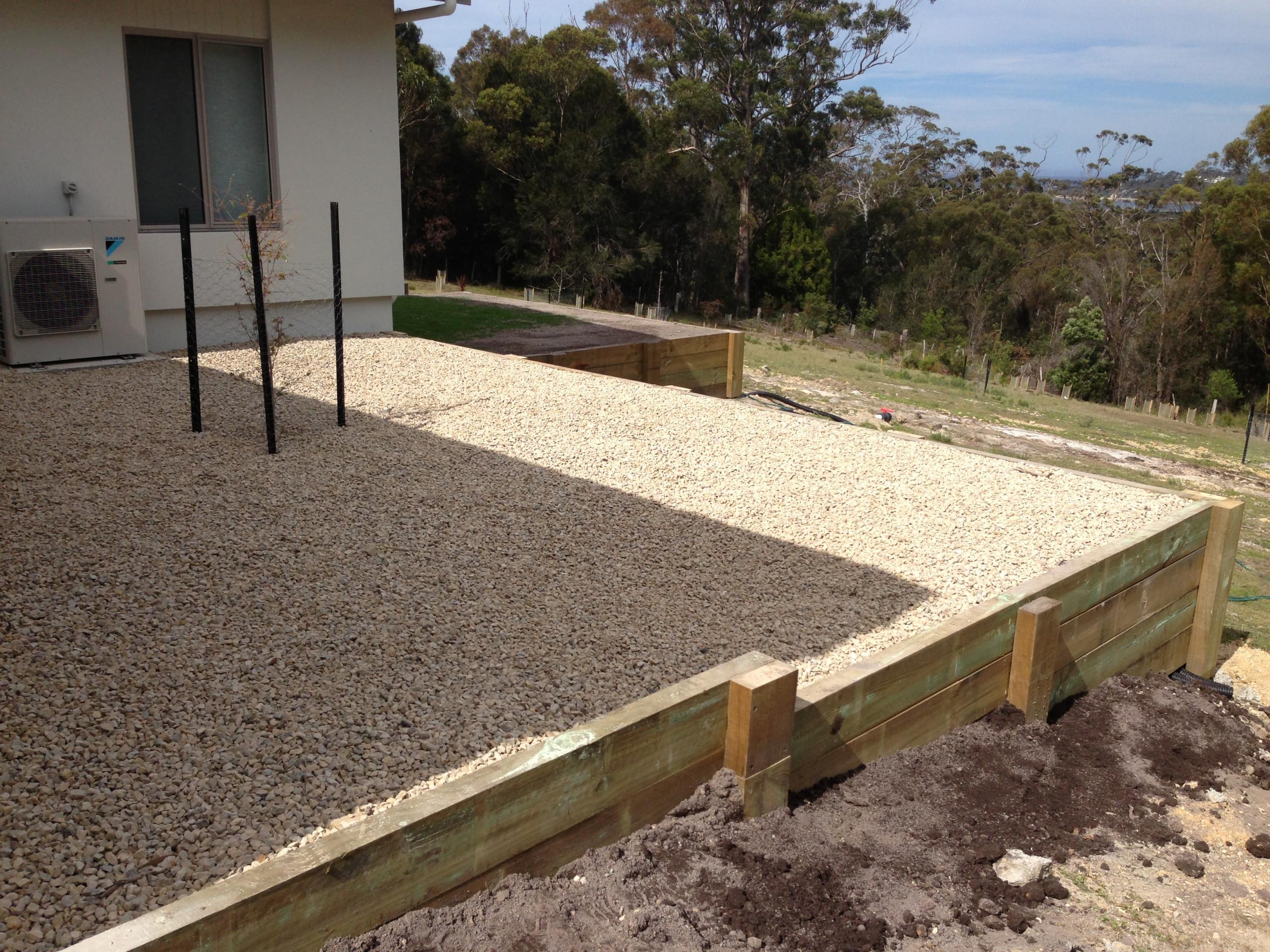 Timber sleeper retaining walls