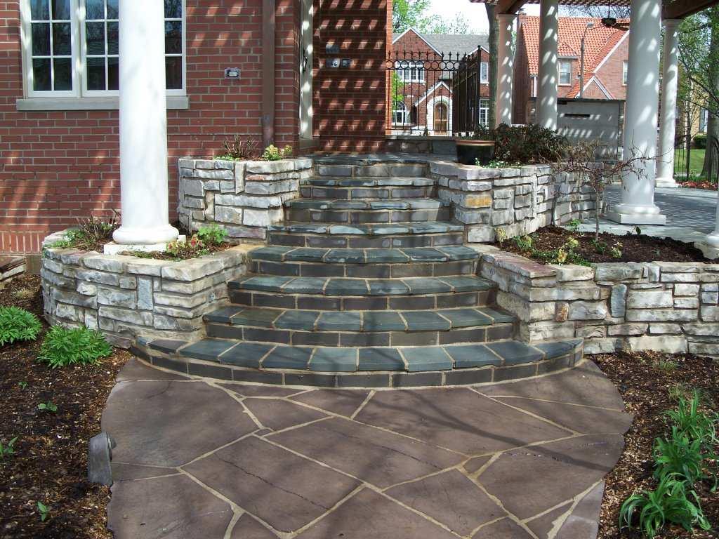 St. Louis, Missouri bluestone masonry walkway, steps with limestone walls