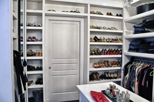 Walk-in Closet contemporary-closet