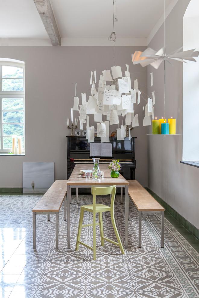 Выдающиеся фото от архитекторов и дизайнеров интерьера: гостиная комната в современном стиле