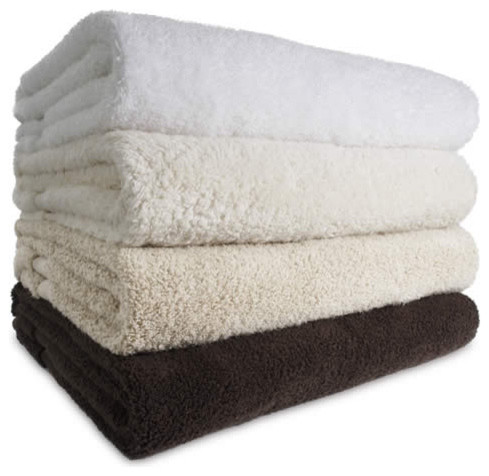 contemporary towels by whotelsthestore.com