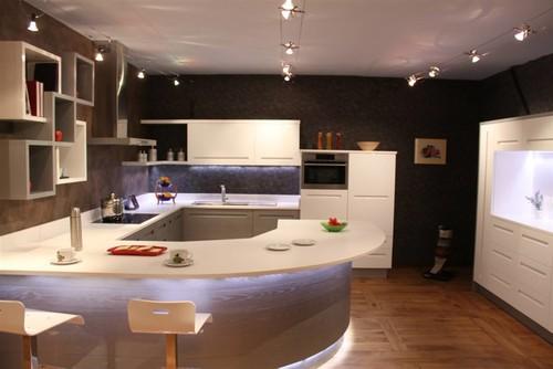 Quanto costa farsi fare una cucina dal falegname for Case americane arredamento
