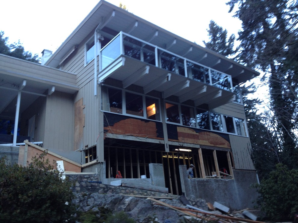 West Vancouver, 1960's Lewis Post & Beam House Renovation