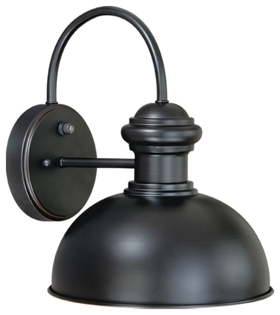 Franklin 10 Outdoor Wall Light, Antique Pewter.