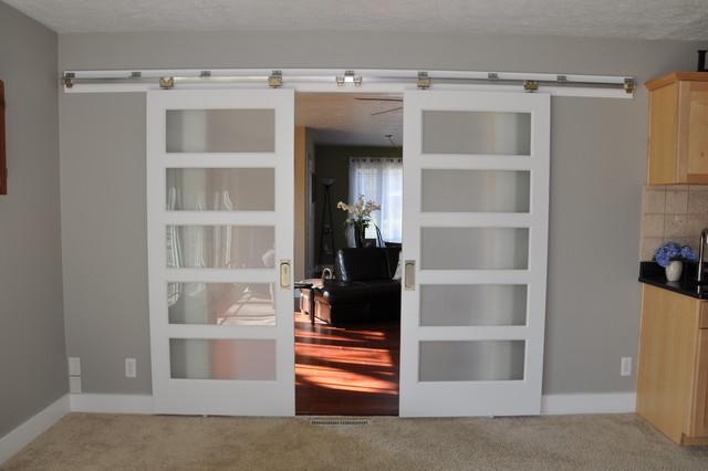Johnson Hardware 200WM Separating Two Living Rooms