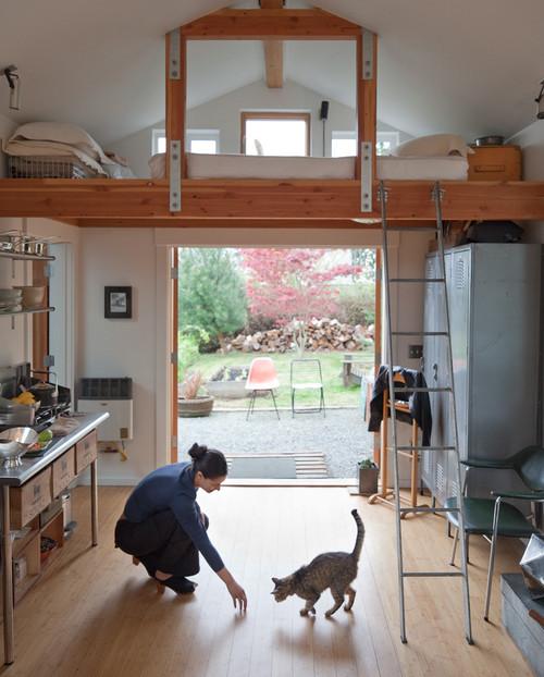 как сделать из гаража дом