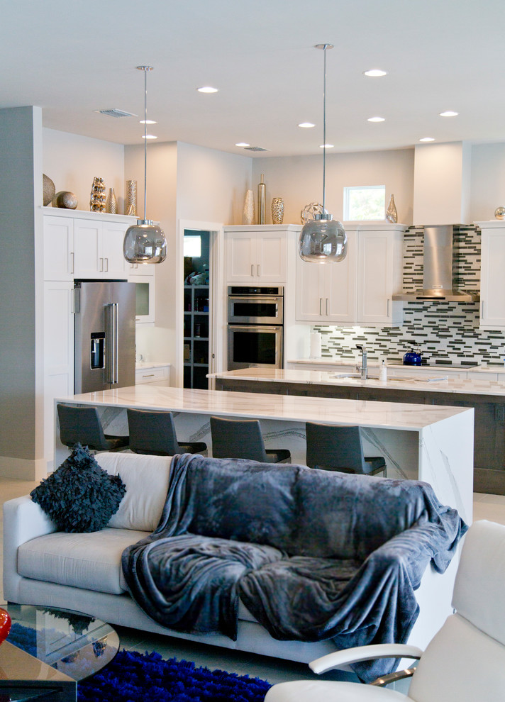 Inspiration for a large contemporary home design remodel in Miami