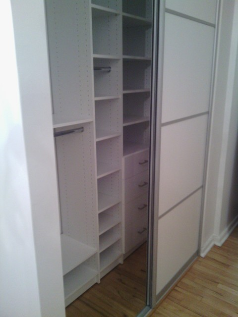 Reach In Closets With Sliding Closet Door   Contemporary ...