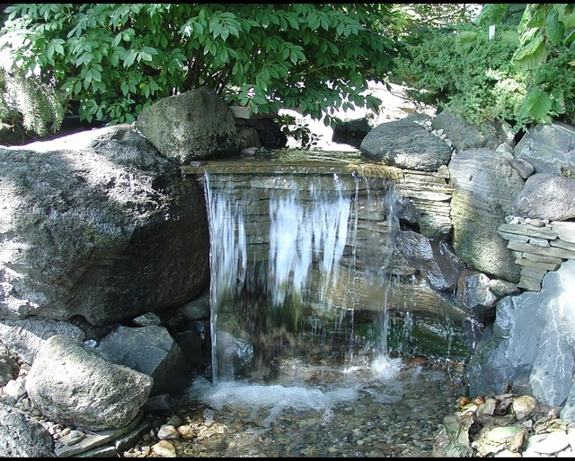 Pondless waterfalls disappearing waterfalls low for Garden pond waterfalls for sale
