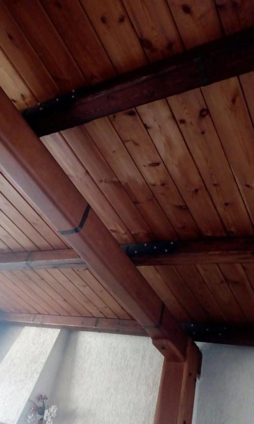 Mansarda colori di legno diversi, che fare?