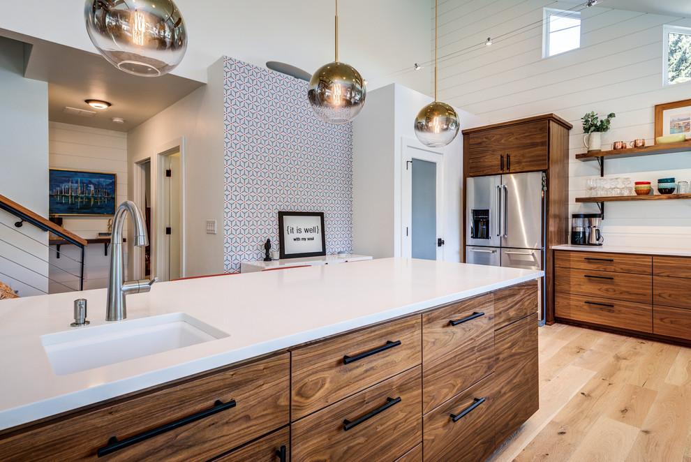 Mid-century modern home design photo in Seattle