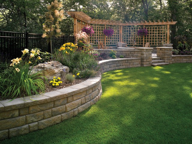 Bayfield Retaining Wall By Basalite