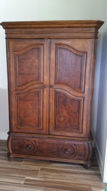 Superior TS Berry Hillsboro Furniture For Sale