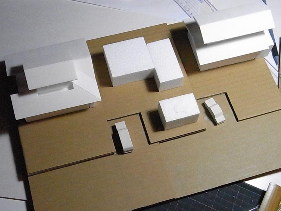 コの字の家/エスキース模型