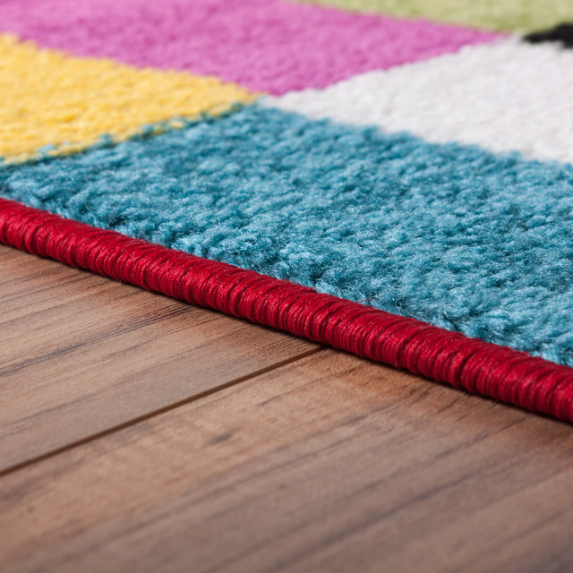 Well Woven Star Bright Multi Area Rug, 5&x27;x7&x27;.