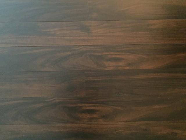 Dekorman Hampshire AC3 Laminate Flooring, 17.26 Sq. ft., Mocha Maple