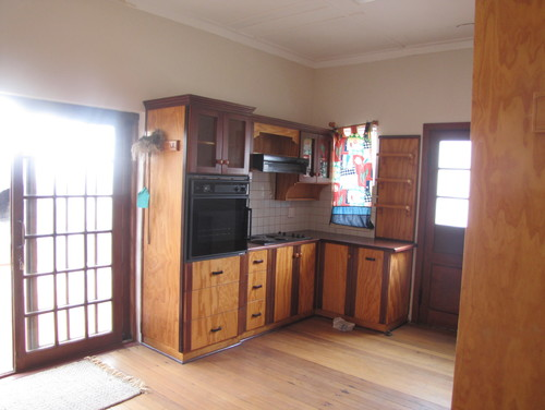 Kitchen Cabinets To Paint Or To Stain
