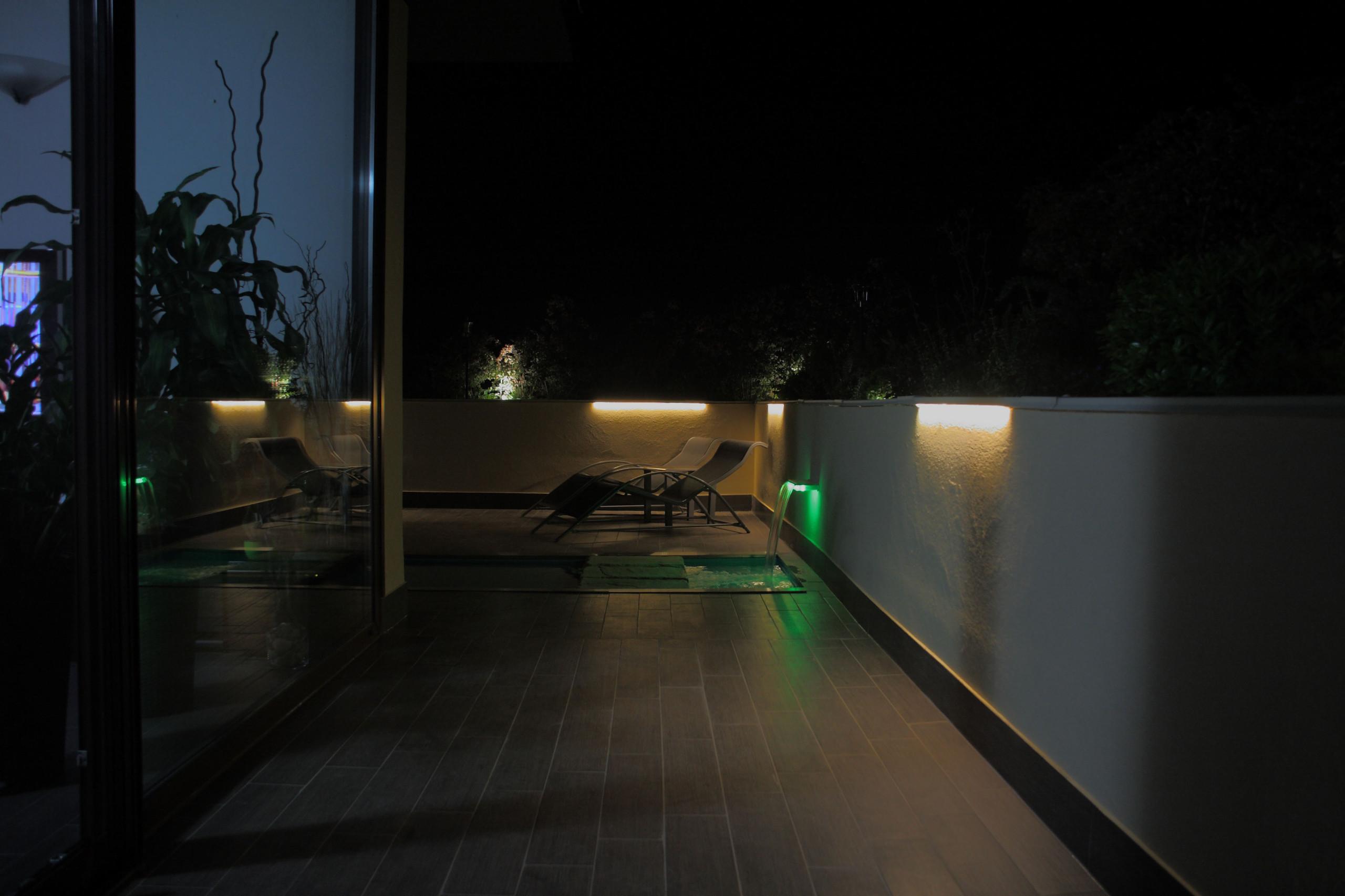 Piscina su terrazzo