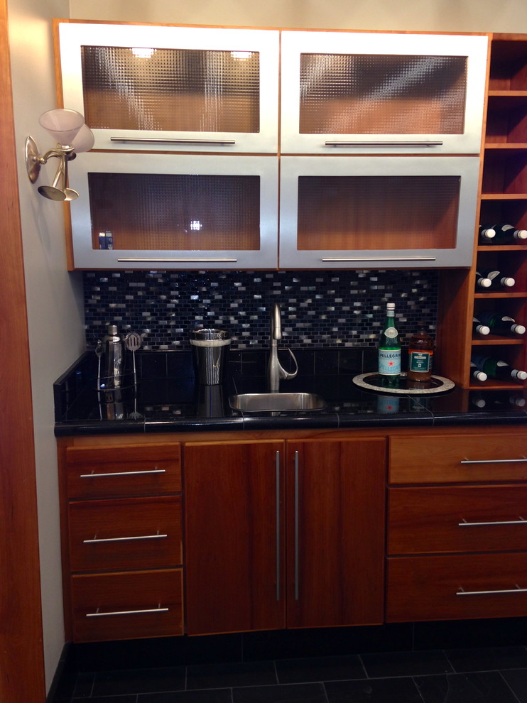 Butler pantry/bar