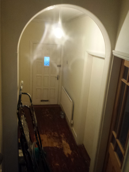 terrace house hallway using dulux absolute white plus. Black Bedroom Furniture Sets. Home Design Ideas