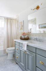 Bathroom of the Week: Bright and Chic in 50 Square Feet