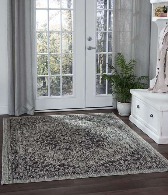 Vaux Traditional Medallion Black Rectangle Area Rug, 9' x 12'