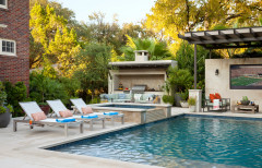 10 Ways to Turn Your Backyard Into a Resort-Inspired Retreat