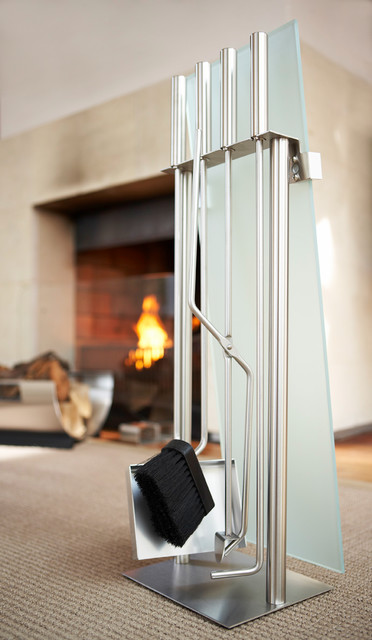 Blomus Chimo 5-Piece Fireplace Set With Glass Front.