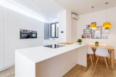 5 cocinas blancas modernas para todos los presupuestos
