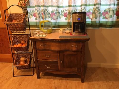 Coffee Maker Under Cabinet Steam : steam from coffee maker under cabinets?
