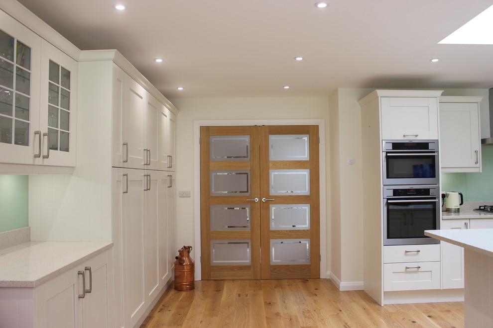 Minimalist home design photo in Sussex