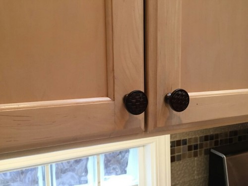 Need advice: Nickel or Bronze knobs for maple kitchen cabinets