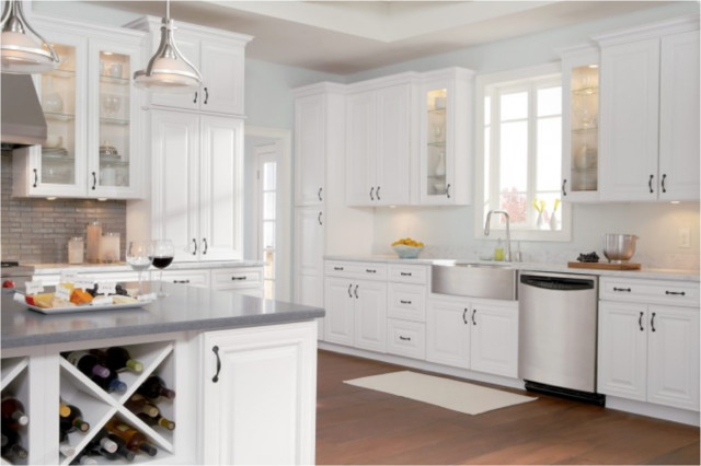 Bon Cabinetry: Timberlake Rushmore Square Maple (Painted Linen)