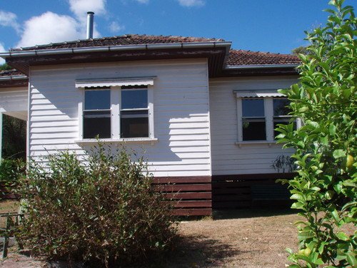 Excellent Exterior color scheme for our 1940's weatherboard terracotta tiled  GL18
