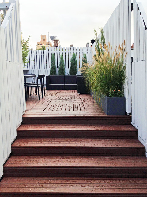 Manhattan Roof Garden Terrace Deck Fence Container Plants Stairs Outdoor Di Terrace New York By Amber Freda Garden Design