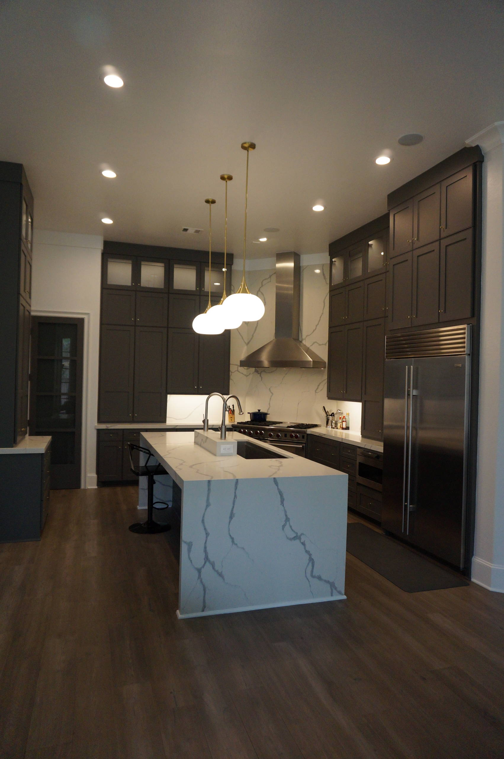 Functional Kitchen with lots of extras and storage
