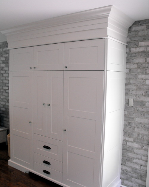 Love the pantry. What size Ikea cabinets were used in this configuration?