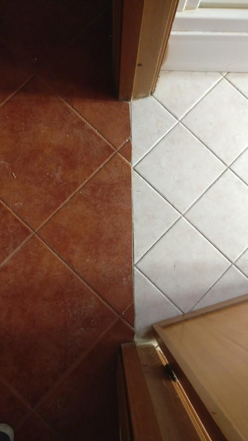 Accostamento pavimenti differenti - Accostare due divani diversi ...