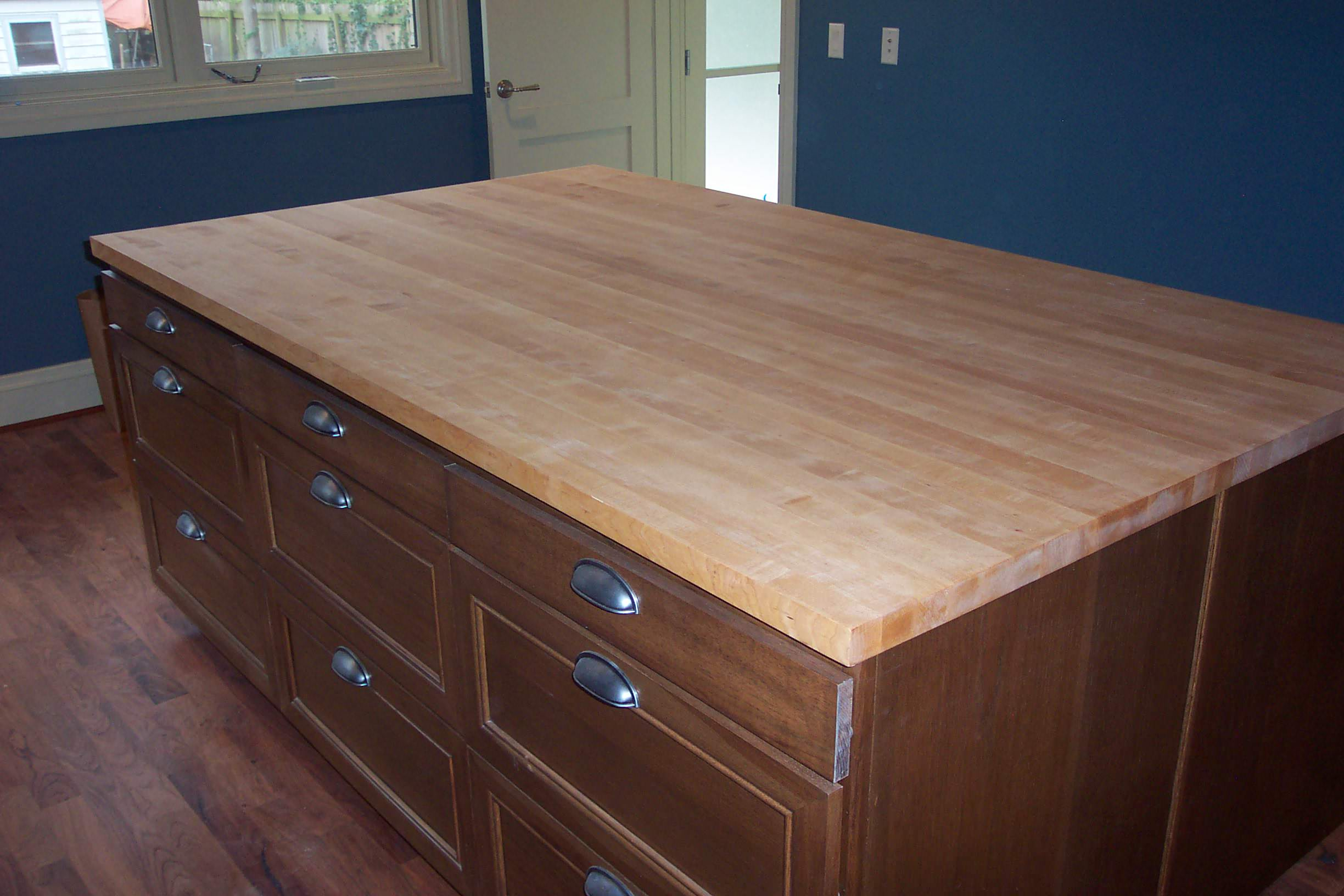 Maple Edge grain wood counter top