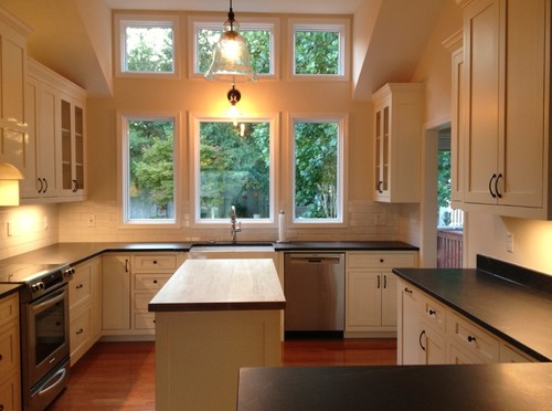 should i decorate the tops of my kitchen cabinets rh houzz com how to decorate my kitchen walls how to decorate my kitchen bay window